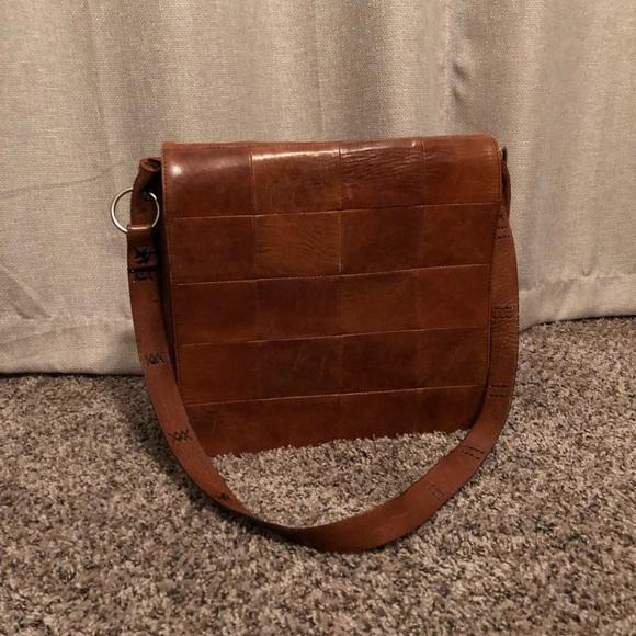 Banana Republic Handbags - Banana Republic Leather Messenger Bag af1f1227fc